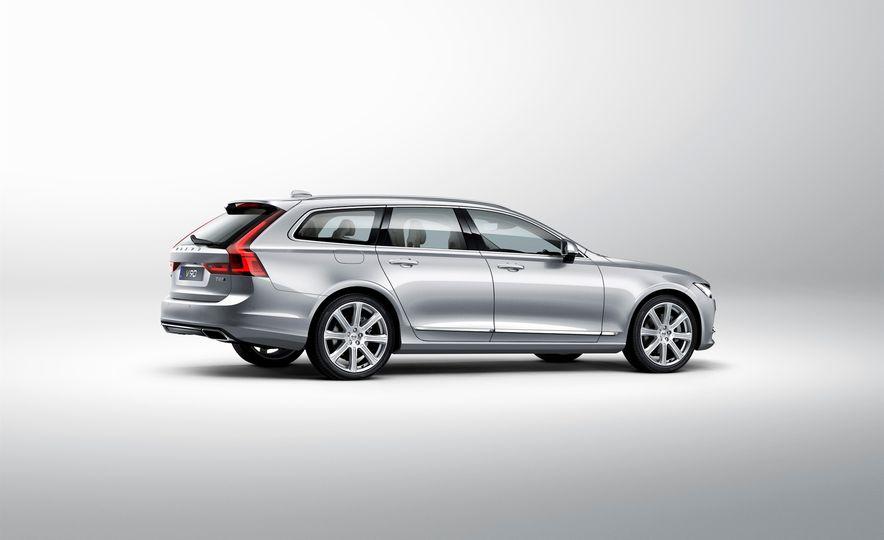 2017 Volvo V90 - Slide 32