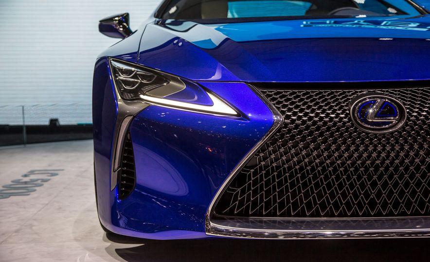 2018 Lexus LC500h - Slide 14