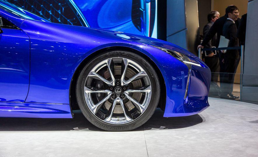 2018 Lexus LC500h - Slide 16