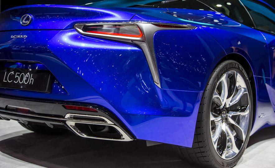 2018 Lexus LC500h - Slide 19