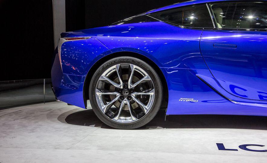 2018 Lexus LC500h - Slide 18
