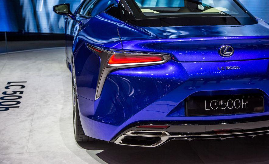 2018 Lexus LC500h - Slide 17