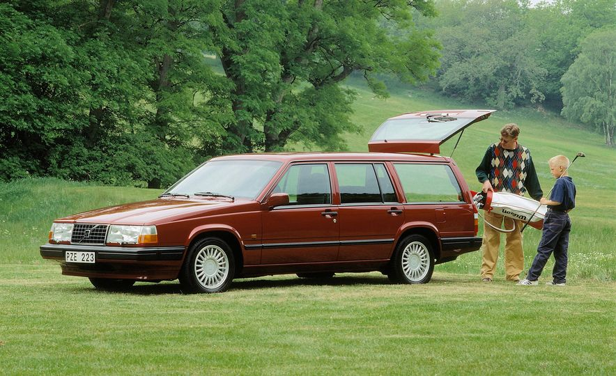 Estate Planning: A Visual History of Volvo Station Wagons - Slide 17