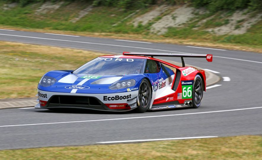 Ford GT race car - Slide 13