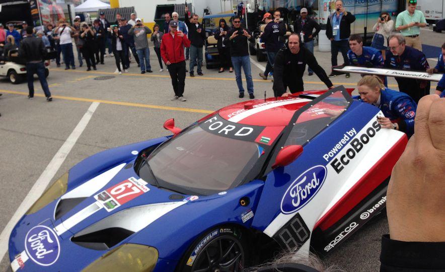 Ford GT race car - Slide 2