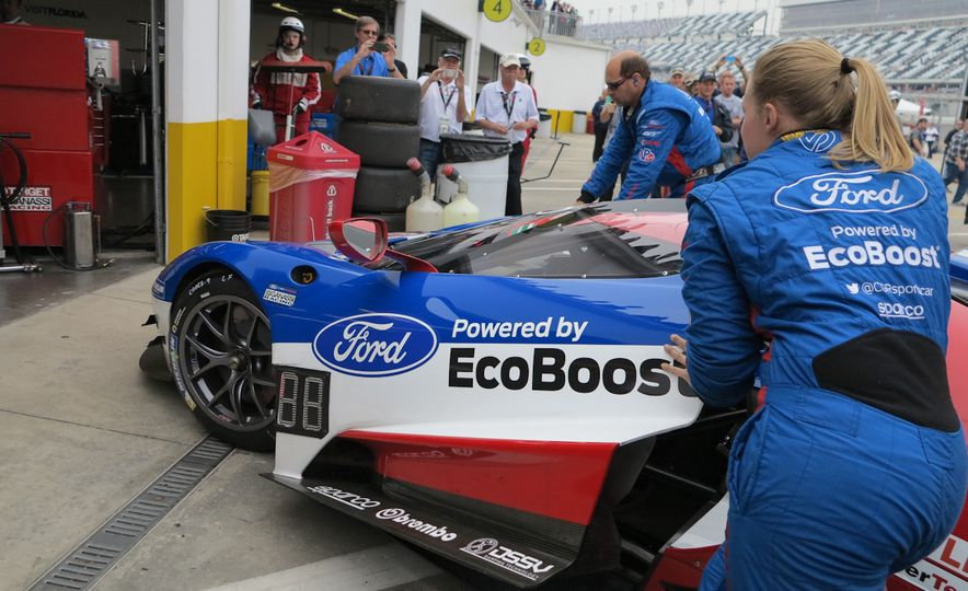 Ford GT race car - Slide 4