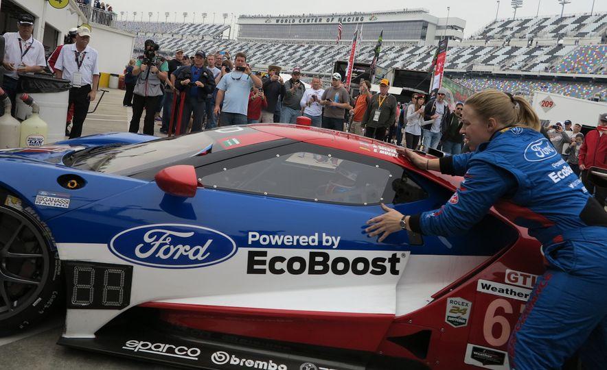 Ford GT race car - Slide 5