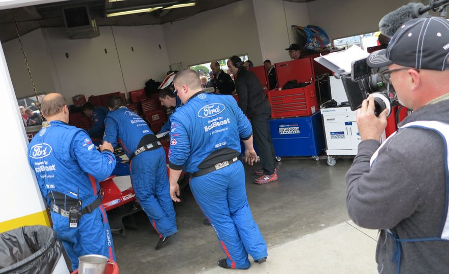 Ford GT race car - Slide 7