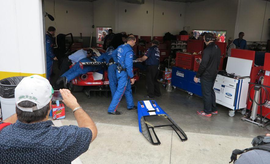 Ford GT race car - Slide 8