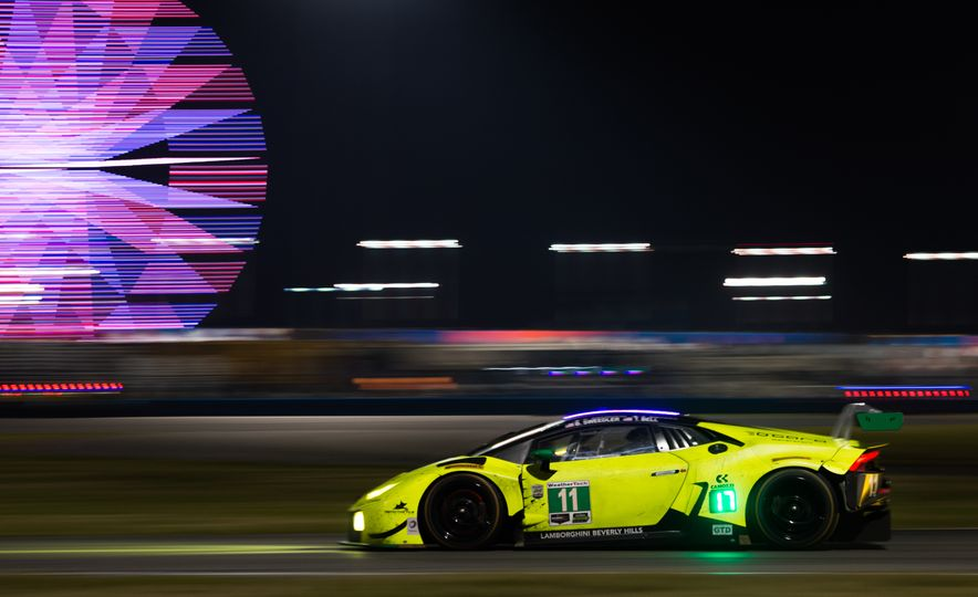 The 2016 24 Hours of Daytona in 40 Stunning Photos - Slide 18