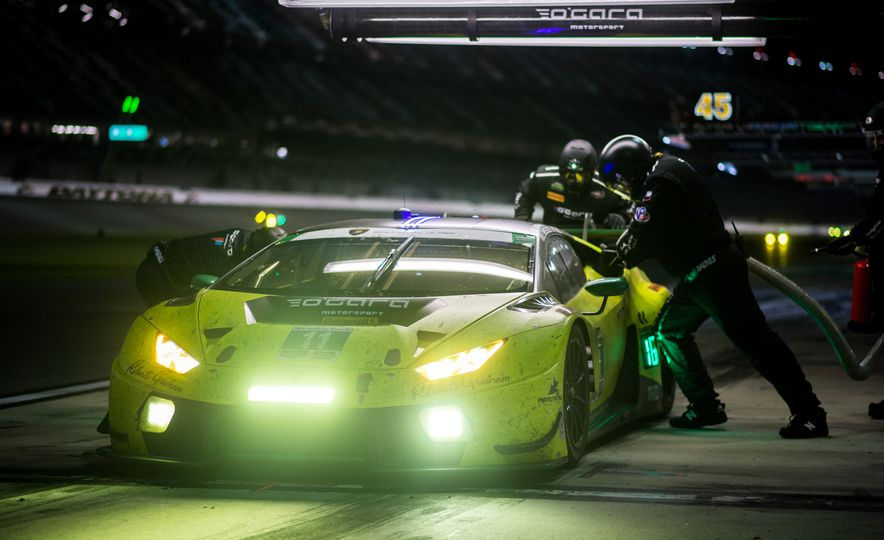 The 2016 24 Hours of Daytona in 40 Stunning Photos - Slide 23
