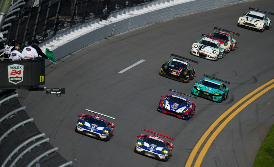 The 2016 24 Hours of Daytona in 40 Stunning Photos - Slide 7