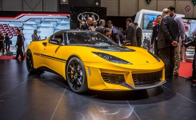 2017 Lotus Evora Sport 410: Add Lightness—and Stripes