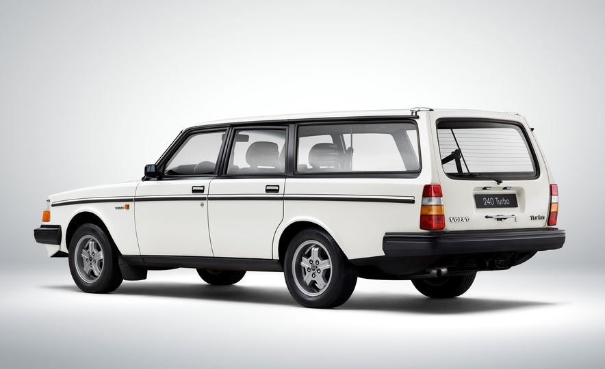 Estate Planning: A Visual History of Volvo Station Wagons - Slide 13