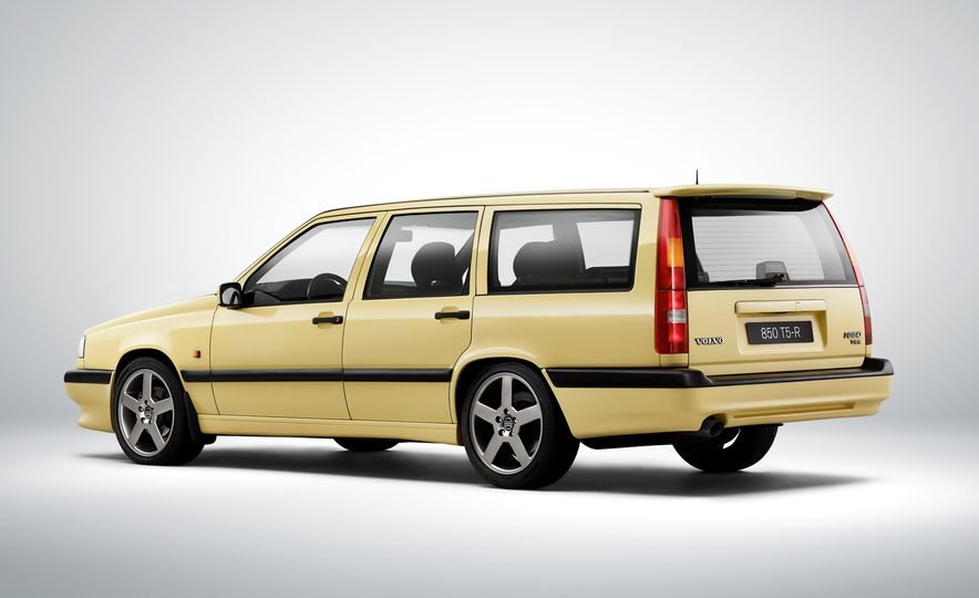 Estate Planning: A Visual History of Volvo Station Wagons - Slide 22
