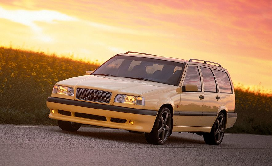Estate Planning: A Visual History of Volvo Station Wagons - Slide 21