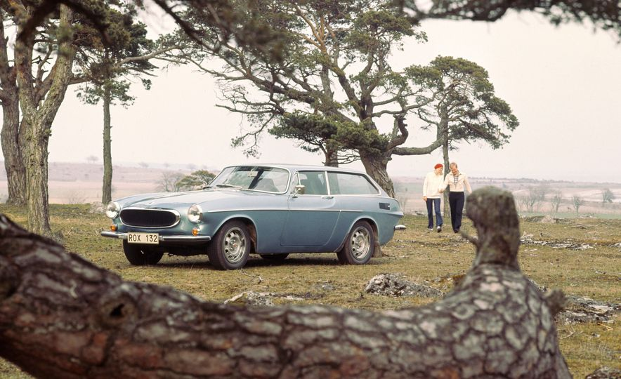 Estate Planning: A Visual History of Volvo Station Wagons - Slide 9