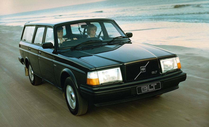 Estate Planning: A Visual History of Volvo Station Wagons - Slide 16
