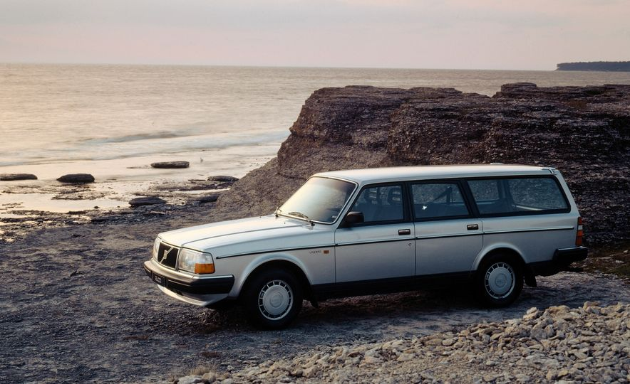 Estate Planning: A Visual History of Volvo Station Wagons - Slide 15