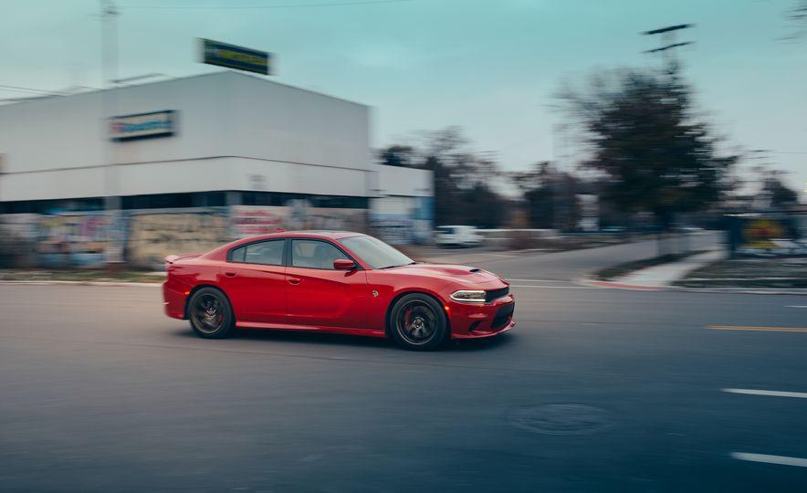 2015 Dodge Charger SRT Hellcat - Slide 1