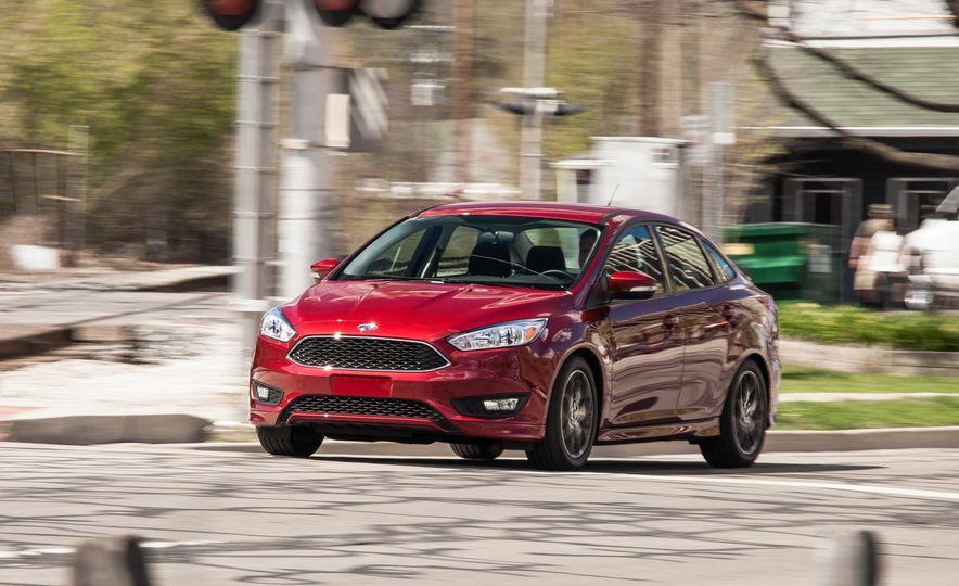 2015 Ford Focus 1.0L EcoBoost - Slide 1