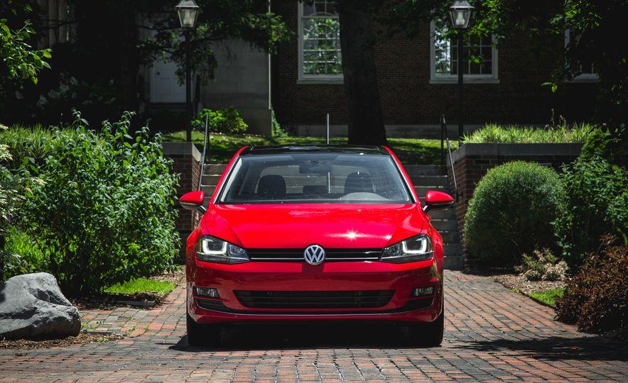 2015 Volkswagen Golf 1.8T TSI - Slide 2