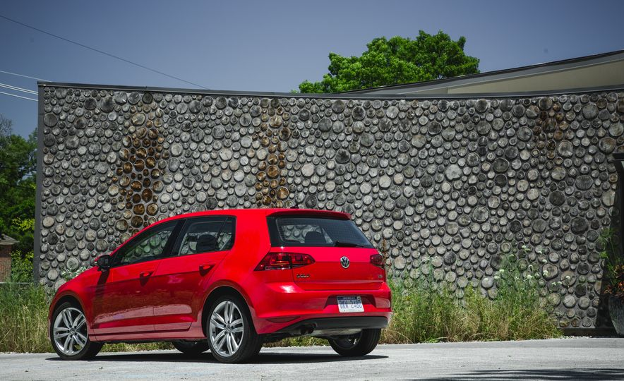 2015 Volkswagen Golf 1.8T TSI - Slide 8