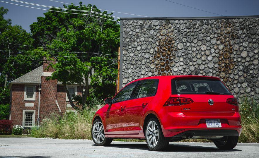 2015 Volkswagen Golf 1.8T TSI - Slide 9
