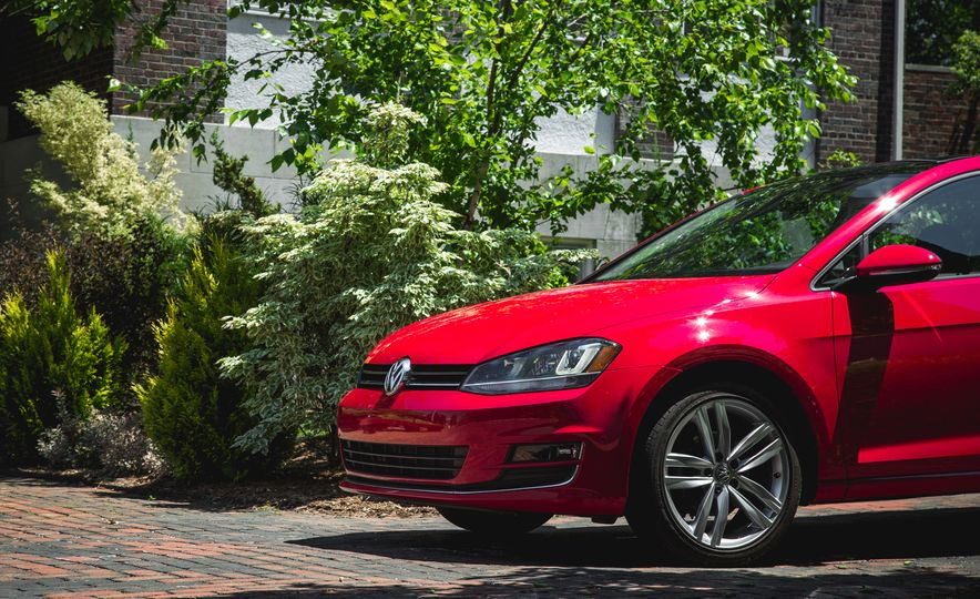2015 Volkswagen Golf 1.8T TSI - Slide 10