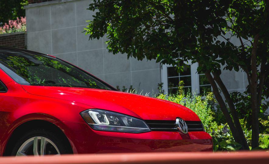 2015 Volkswagen Golf 1.8T TSI - Slide 11