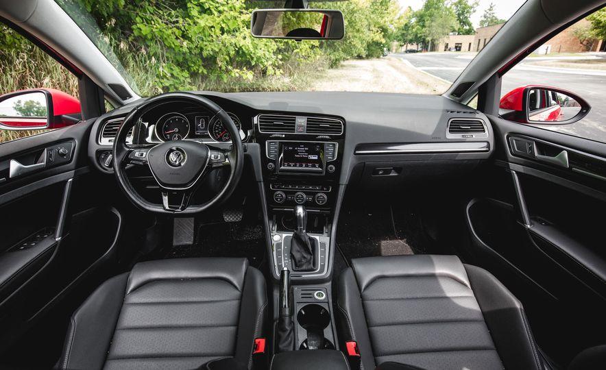 2015 Volkswagen Golf 1.8T TSI - Slide 25