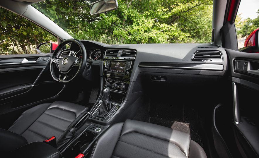 2015 Volkswagen Golf 1.8T TSI - Slide 26