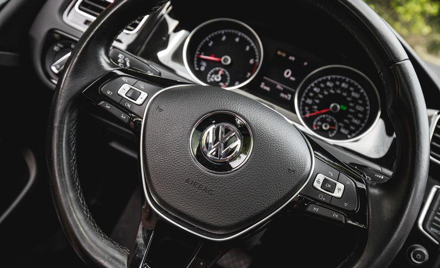2015 Volkswagen Golf 1.8T TSI - Slide 30