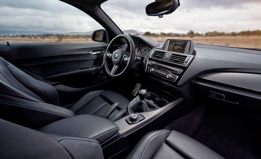 2016 BMW M2 - Slide 13