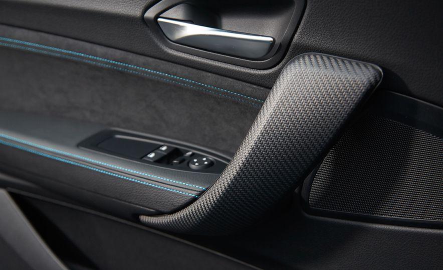 2016 BMW M2 - Slide 16