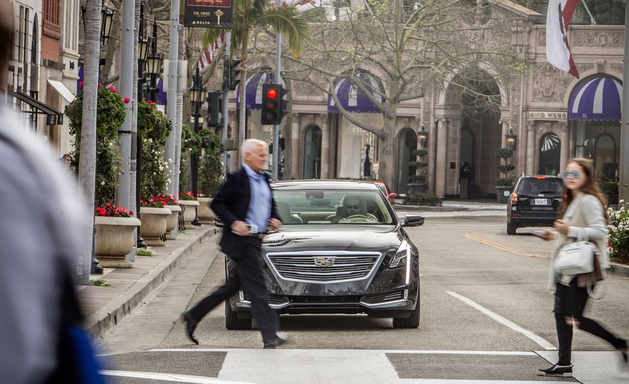 2016 Cadillac CT6 Platinum AWD - Slide 8