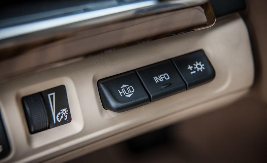 2016 Cadillac CT6 Platinum AWD - Slide 24