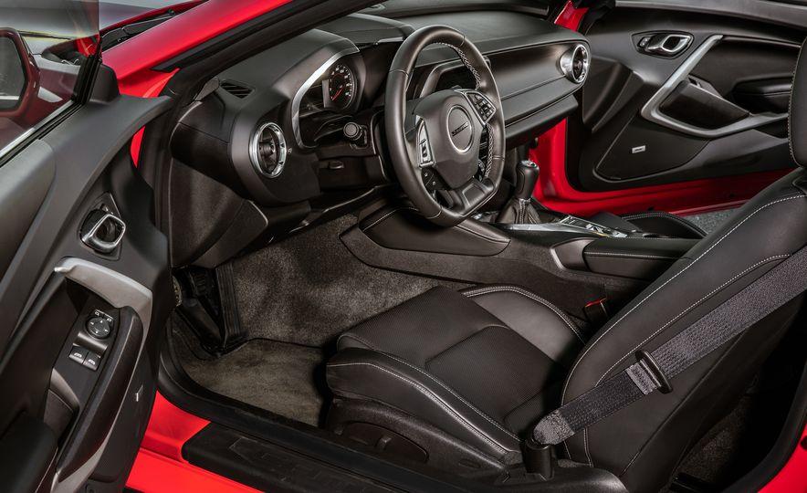 2016 Chevrolet Camaro RS - Slide 10