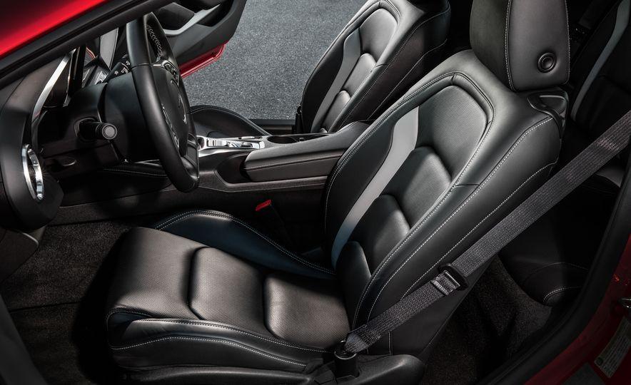 2016 Chevrolet Camaro RS - Slide 11