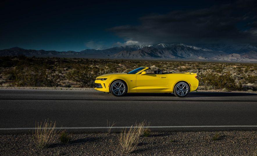 2016 Chevrolet Camaro SS convertible - Slide 16