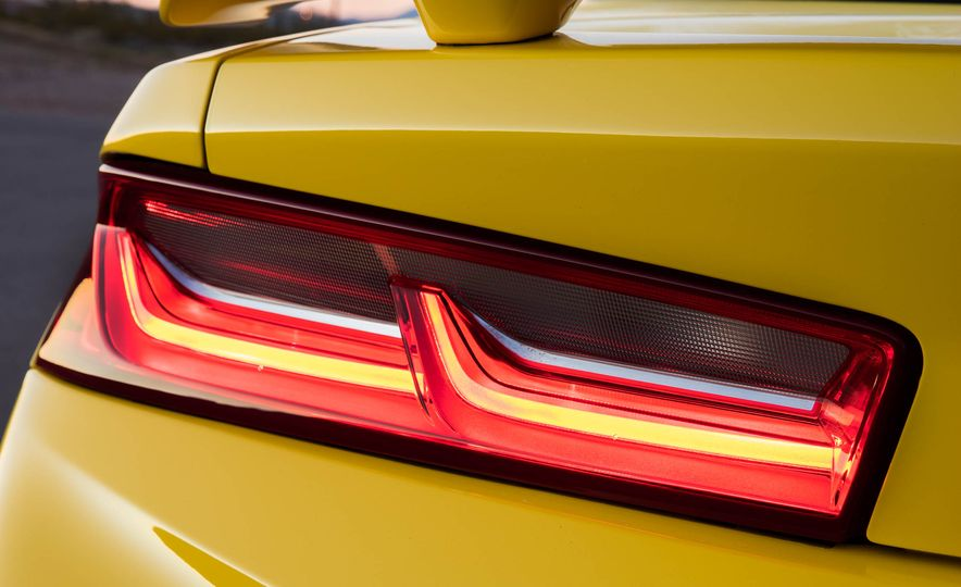 2016 Chevrolet Camaro SS convertible - Slide 26