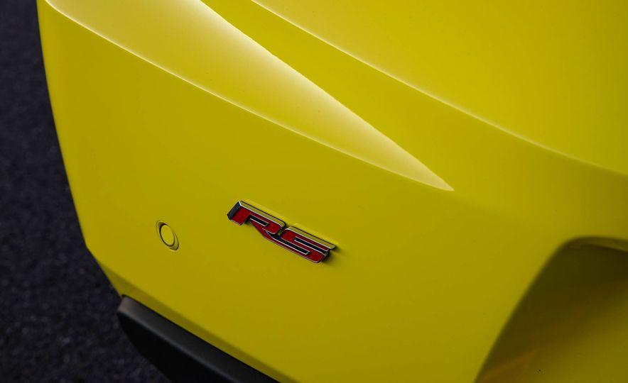 2016 Chevrolet Camaro SS convertible - Slide 27