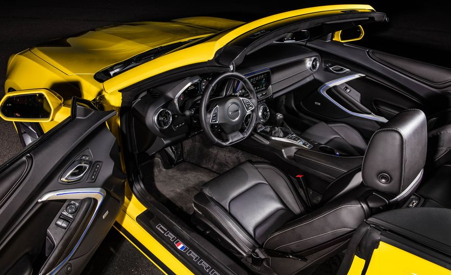 2016 Chevrolet Camaro SS convertible - Slide 29