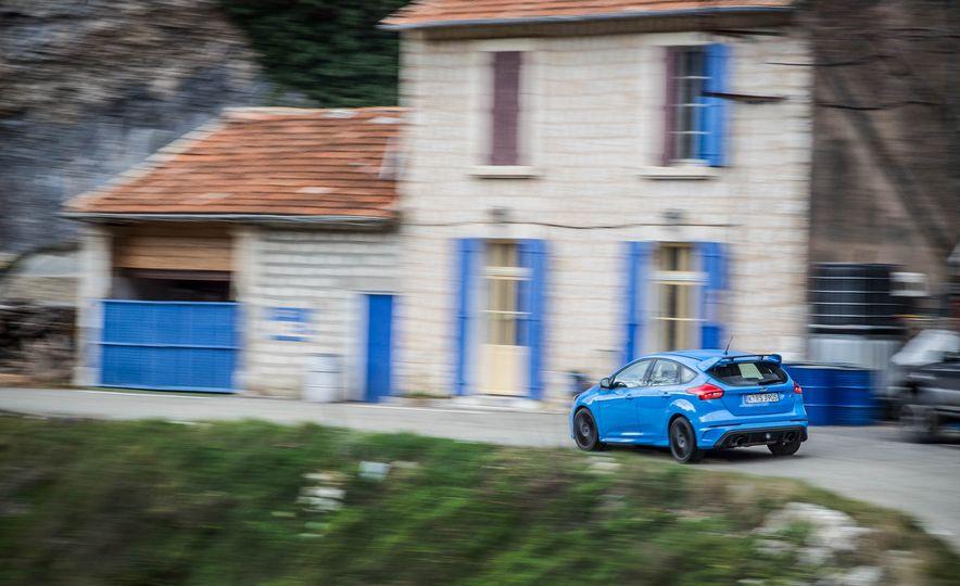 2016 Ford Focus RS - Slide 6