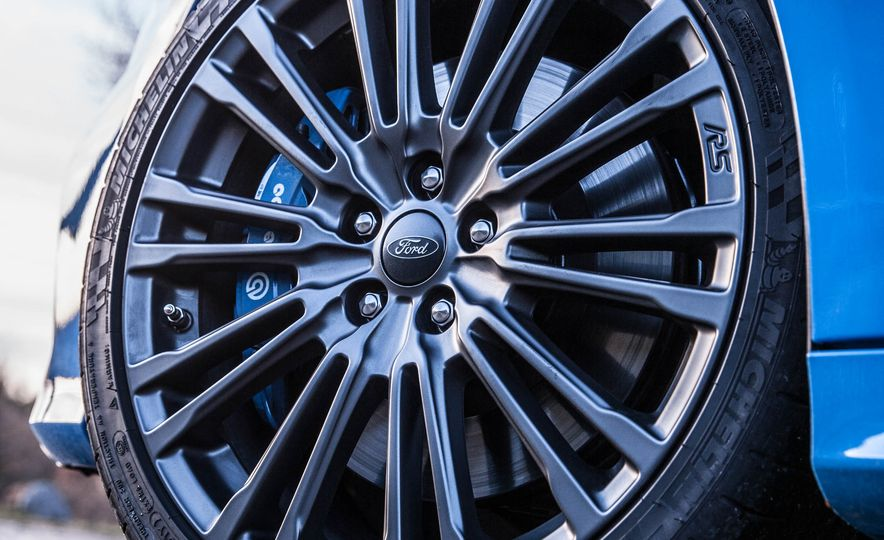 2016 Ford Focus RS - Slide 29