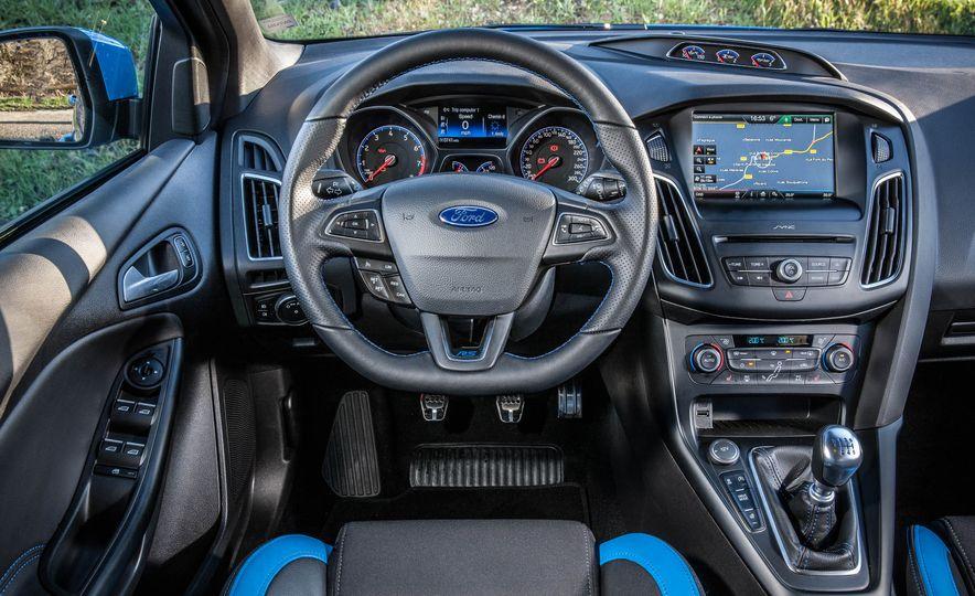 2016 Ford Focus RS - Slide 31