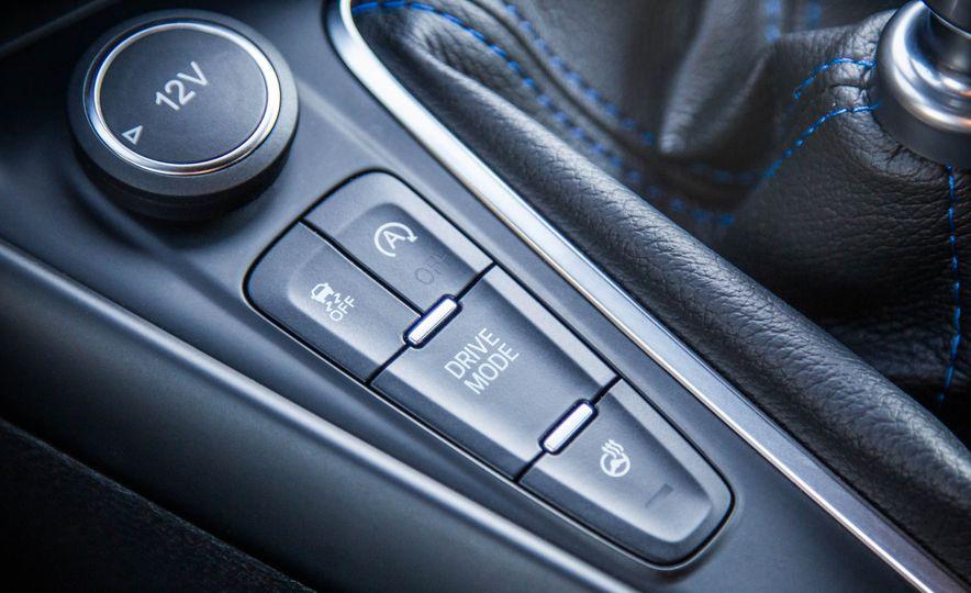 2016 Ford Focus RS - Slide 40
