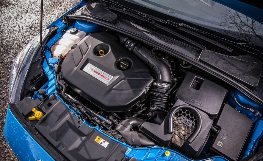 2016 Ford Focus RS - Slide 42