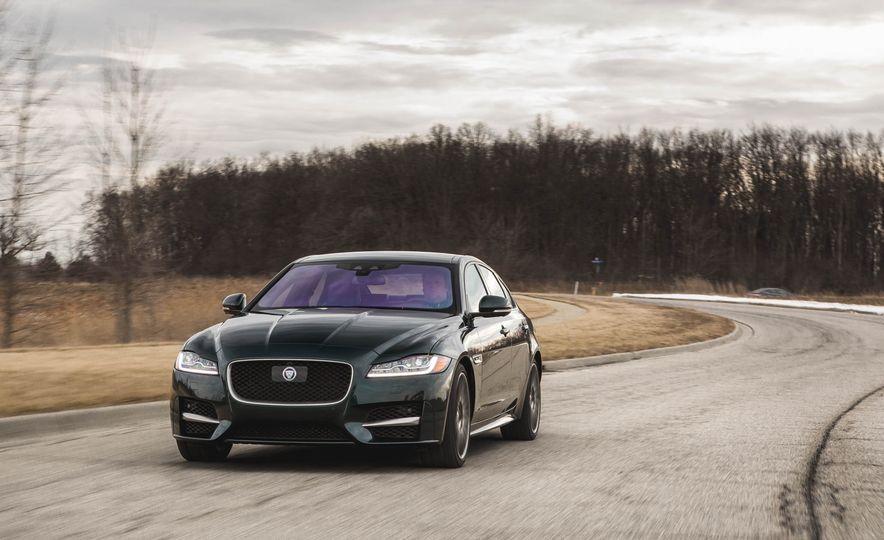 2017 Jaguar F-Pace S - Slide 20
