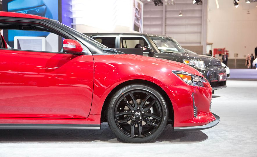 2016 Scion tC Release Series 10.0 - Slide 6